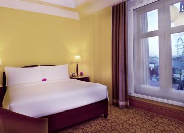 SRV Rediscovery Packages - Straits Club Marina Bay View Room